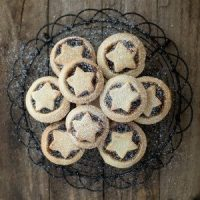 Easy Thermomix Mince Pies - made with buttery shortcrust pastry and store bought fruit mince these mince pies are a doddle to make.